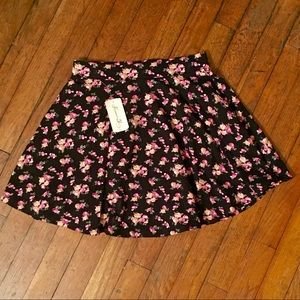 NWT Forever 21 Floral Skirt | size small